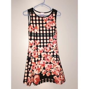 Used dress perfect for spring! 🌺
